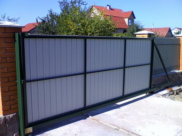 Откатные ворота из профнастила: фото - 4