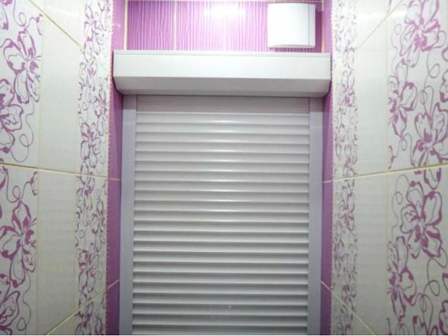 Рольставни в туалет и санузел: фото - 3