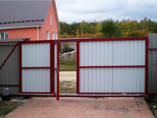 Откатные ворота с калиткой: фото - 2
