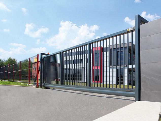 Промышленные откатные ворота: фото - 1