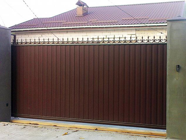 Откатные ворота из профнастила: фото - 6
