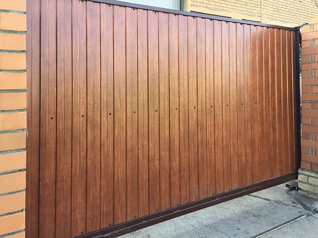 Откатные ворота из профнастила: фото - 3